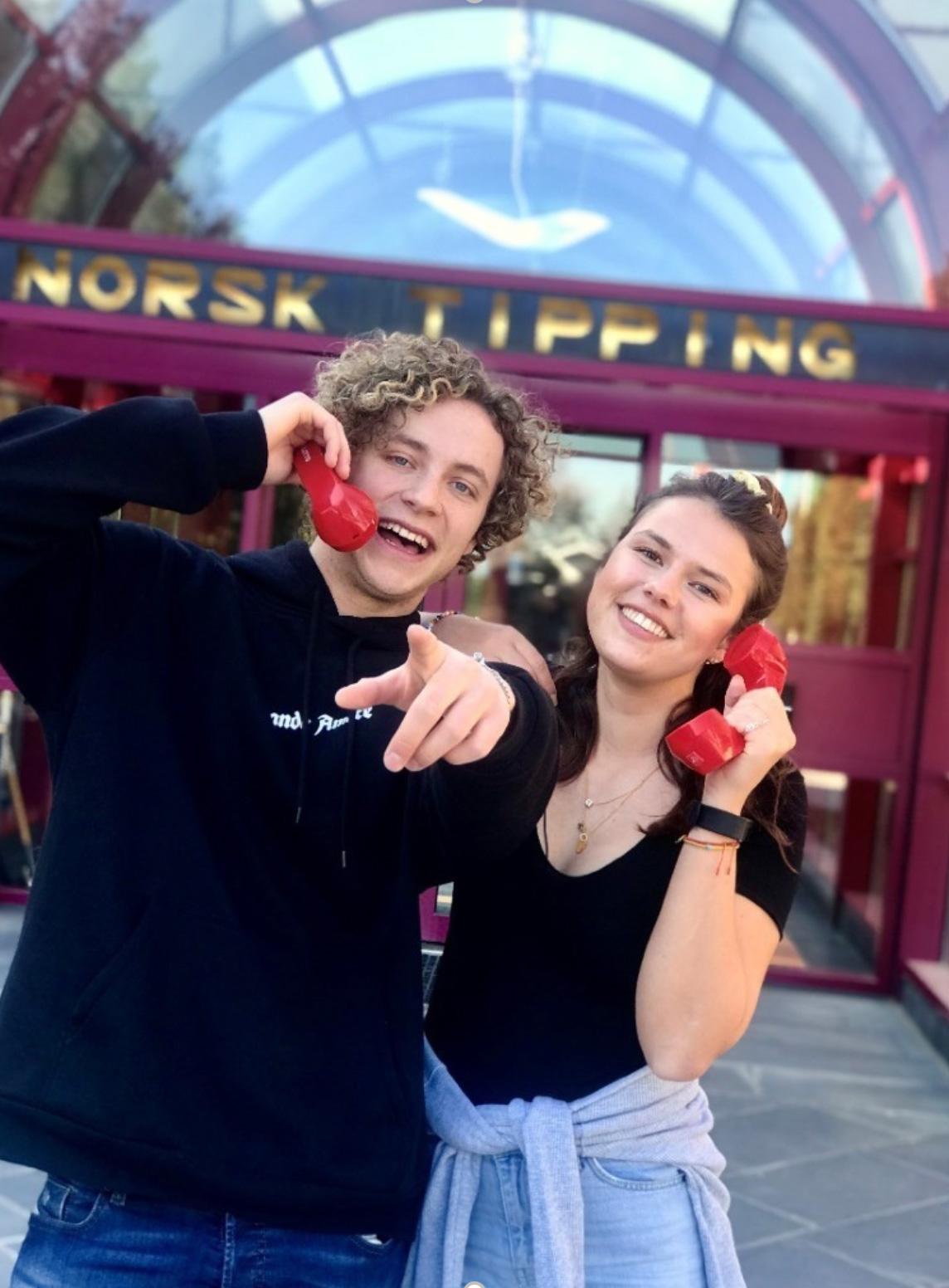 MattisVeineKarterud(18) og Andrea Wisbech (21) fikk jobbene som ringevikarer på Hamar.